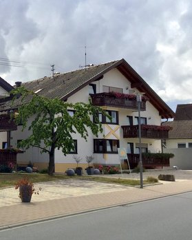 Private Ferienzimmer Vermietungen in  Neuhausen
